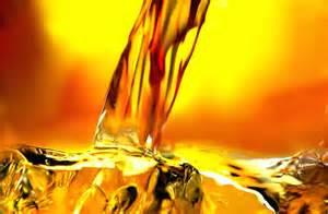 Whiskey Pour 03